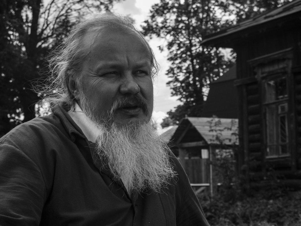 Отец Андрей Лазарев
